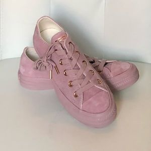 NEW Converse Blush Pink Suede Sneakers